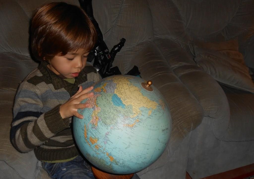 JOHAN regarde la terre